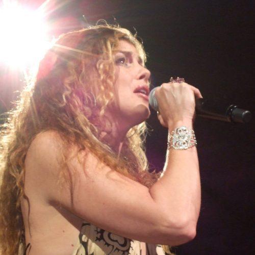 Photo of Faith Hill